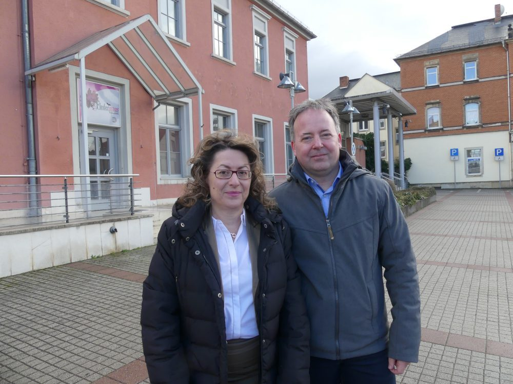 Katrin Hoogestraat und Tobias Kittlick - haben 1000 Unterschriften für Ihre erfolgreiche Petition zum Erhalt des Kopfbaus der Operette gesammelt